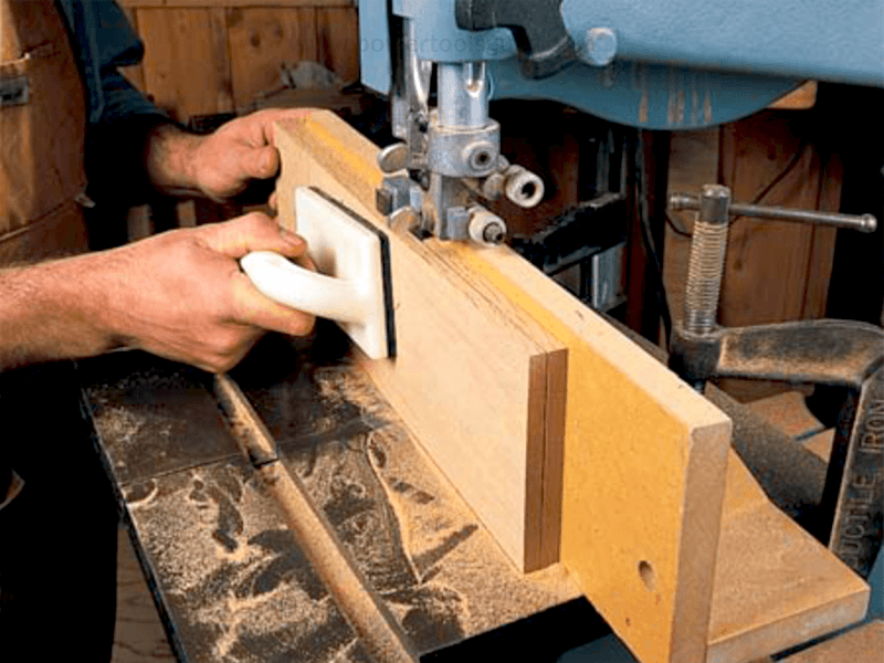 resawing with band saw