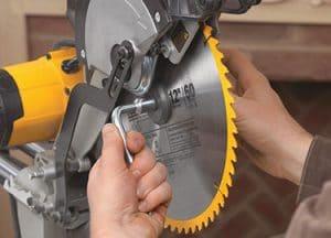 dewalt dws779 blade